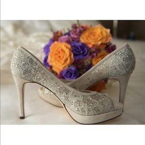 Antonio Melani light gray wedding heels size 6.5
